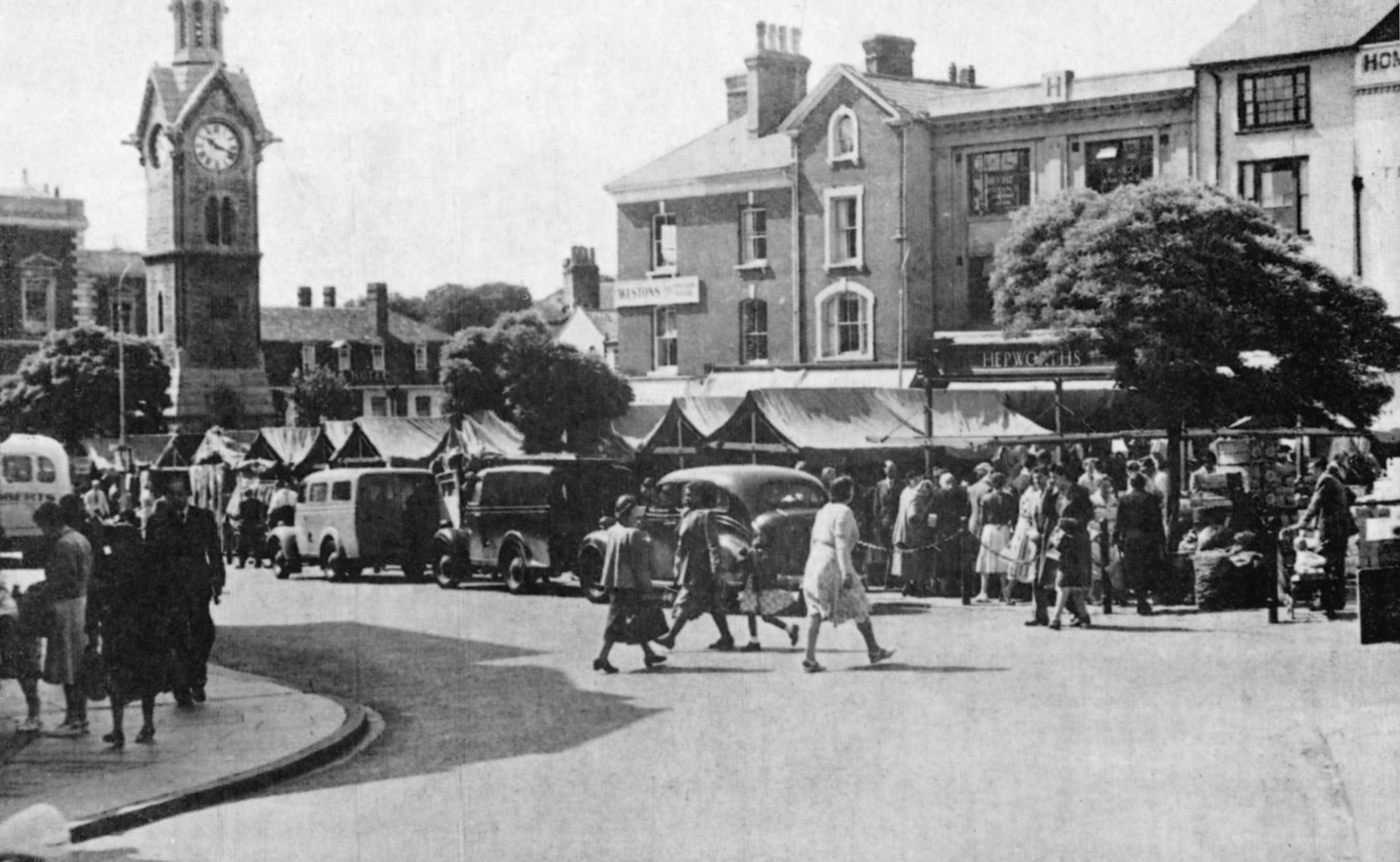 MArket square, Aylesbury, 1953